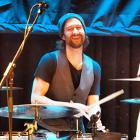 Schlagzeuglehrer Volker Schmidt beim Gig