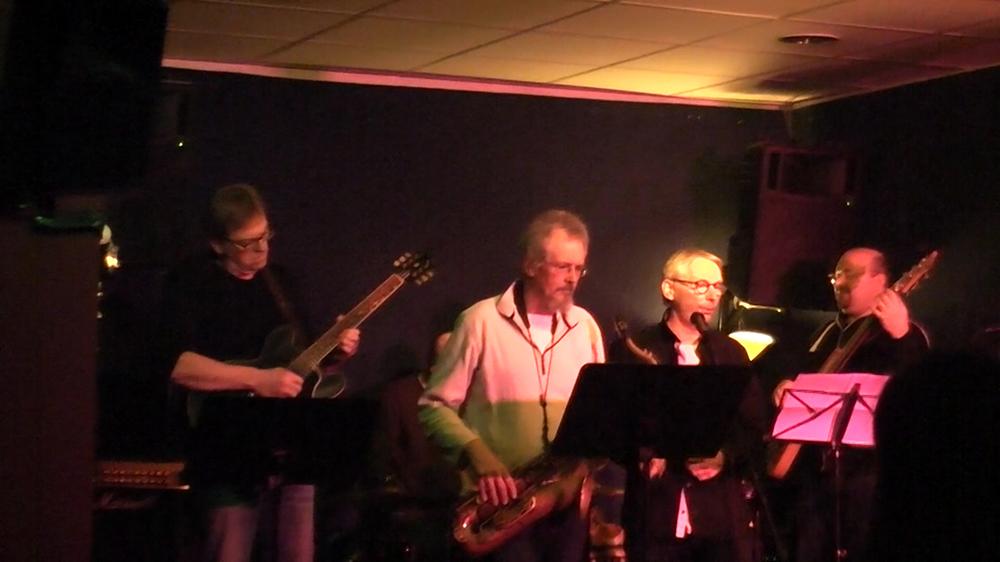 Unsere Jazzband beim Vorweihnachtsfestival in der Frankfurter Musikschule Bandschmiede