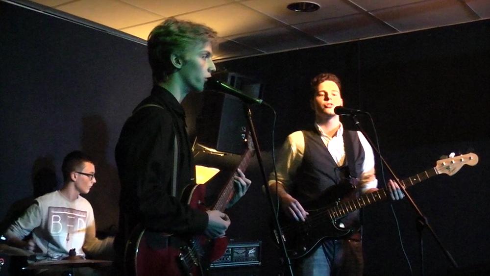 Purple Tape beim Vorweihnachtsfestival in der Frankfurter Musikschule Bandschmiede