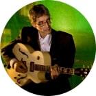 Michael Huber beim Gitarrenunterricht in der Bandschmiede