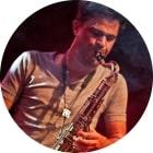 Saxophonlehrer Andreas Pompe mit viel Gefühl